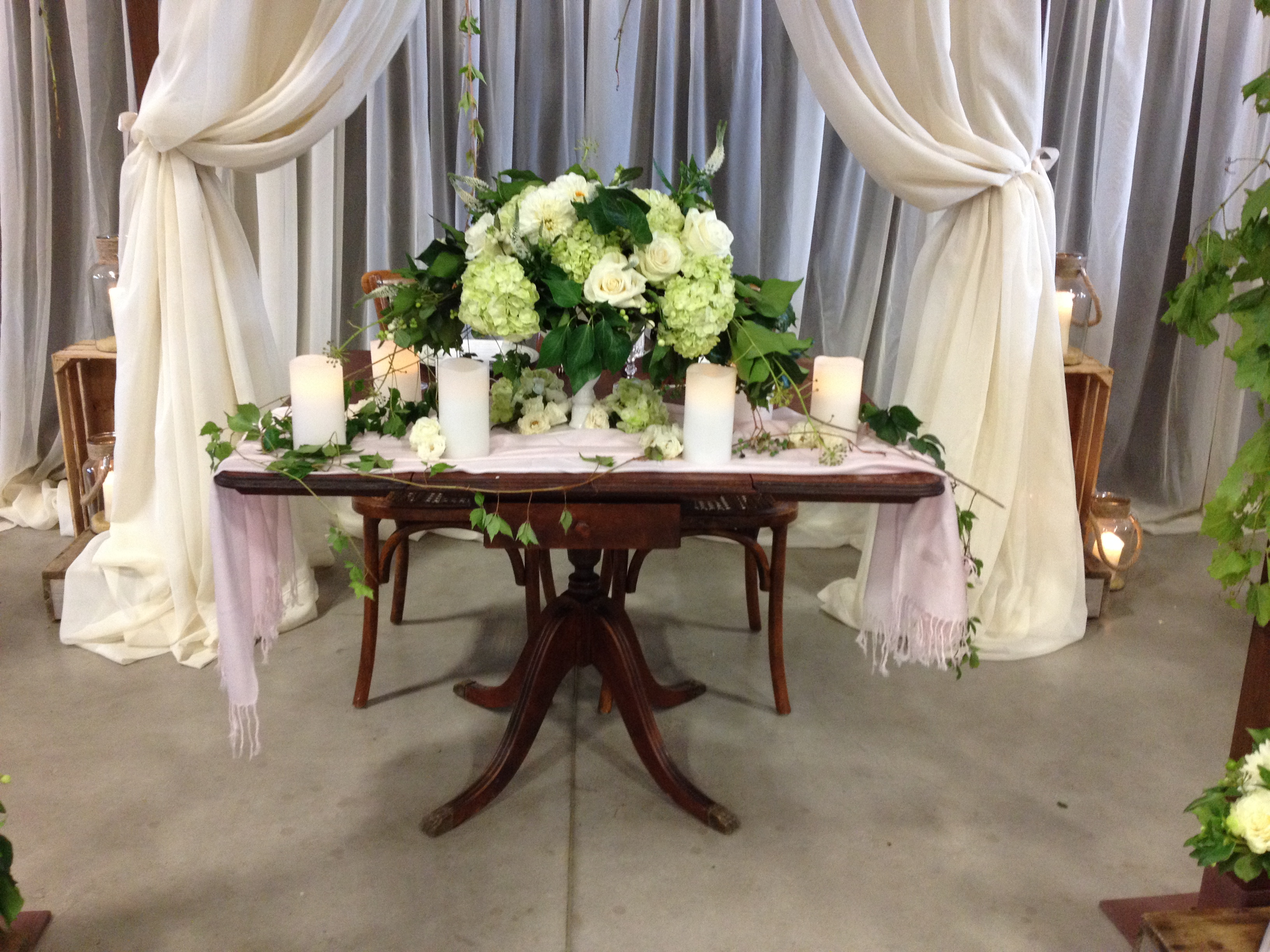 vintage table rental hamilton niagara